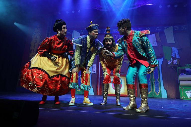 PD as Widow Twanky, Paul Hartley as Wishee Washee, Kylie Ann Ford as Tai Chi, David Hosie as Aladdin